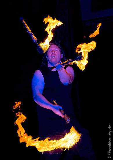 Feuerjongleur