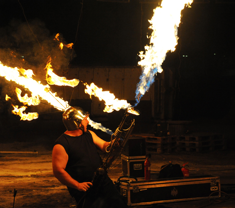 Flammenwerfershow Sam