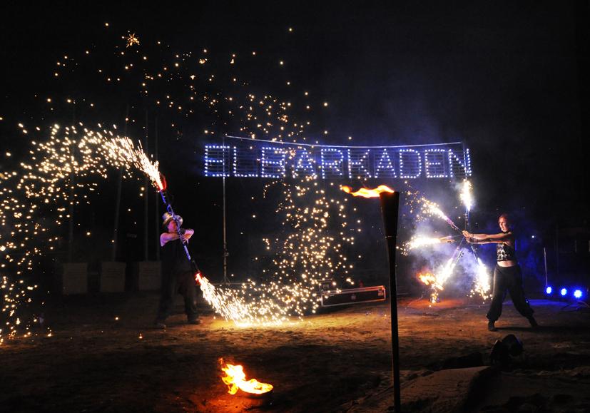 Pyroshow SAM&more in Magdeburg Eröffnung Elb Arkaden